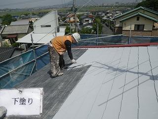 屋根の縁切り。重要です。
