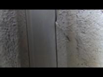 南 外壁 ひび割れ