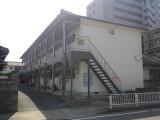 福岡市東区松島S様アパート【外壁:苔・藻の発生・汚れの染み込みを防ぐ塗料で塗装】