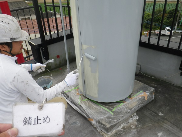 受水槽の塗装