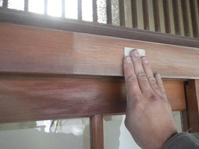 玄関 木枠の塗装について