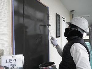 玄関ドアの塗装工事について