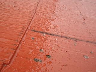 屋根の塗装で劣化を促進する?・・・