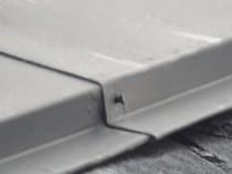 屋根鋼板 釘浮