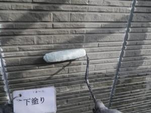 壁サイディングボードの下塗り!