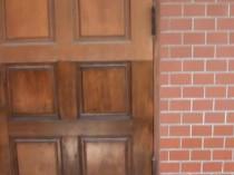 玄関ドア 変色